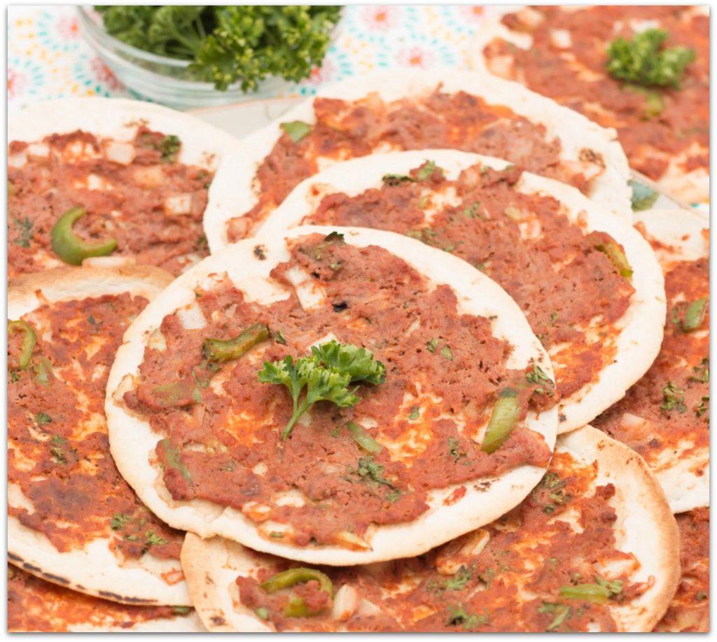 LAZY LAHMACUN (TURKISH PIZZA)